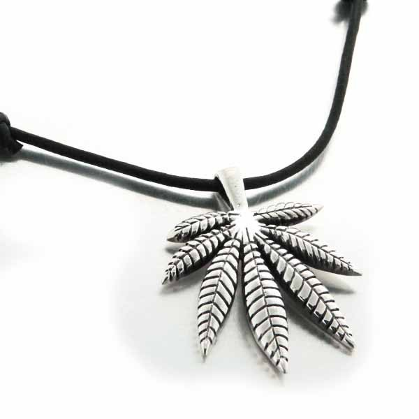 collier homme feuille