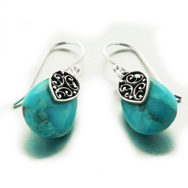 boucles d 39 oreilles pendantes en argent cisel et goutte turquoise mylittlefantaisie. Black Bedroom Furniture Sets. Home Design Ideas